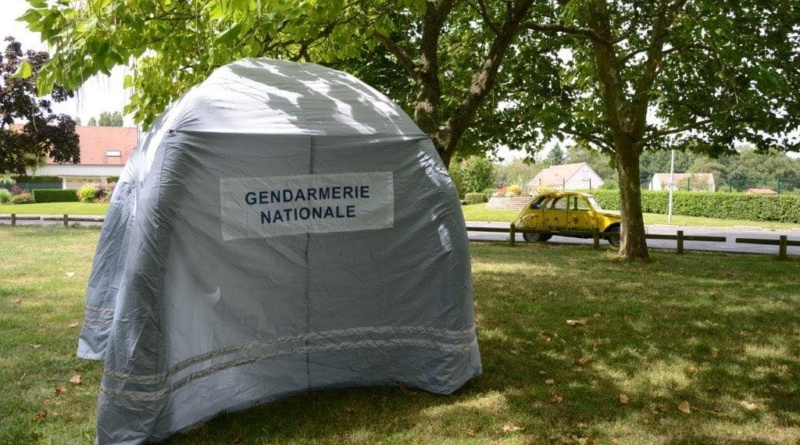 Tente barnum gonflable fabriquée pour la Gendarmerie Nationale