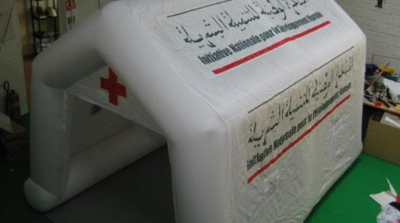 Tente de premiers secours réalisée pour le Croissant Rouge marocain.