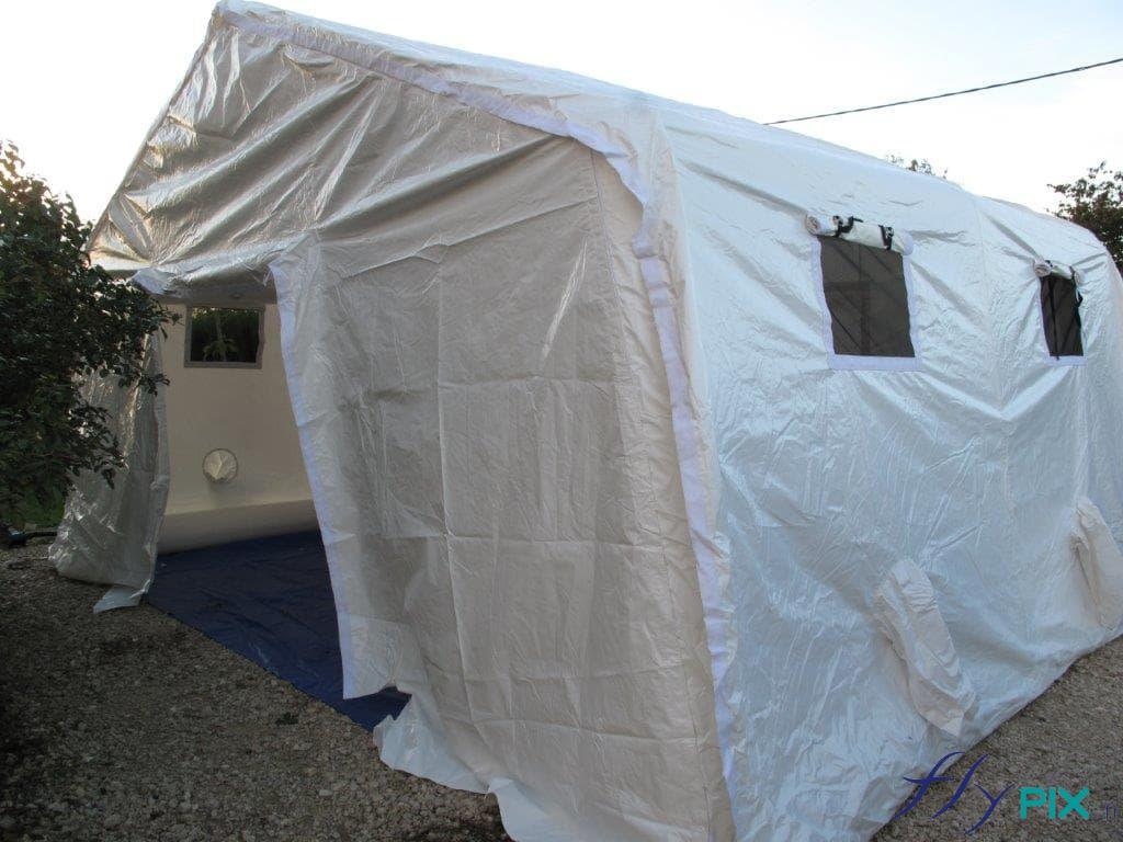 Tente médicale et de premiers soins, avec des boudins d'armatures air captif, gonflé avec pompe.
