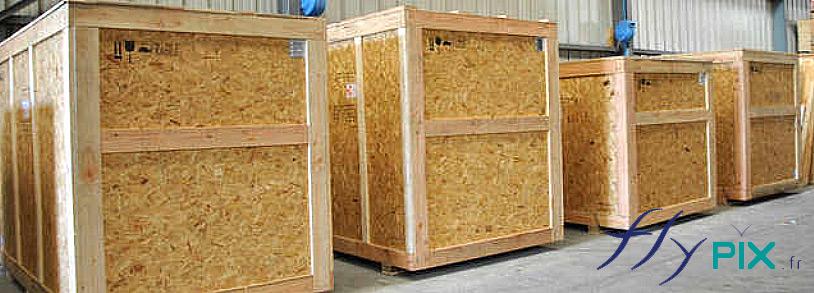 Les tentes PMA peuvent être rangées dans des flycases, sac de rangement de grandes tailles ou bien caisse en bois, pour les plus volumineuses.