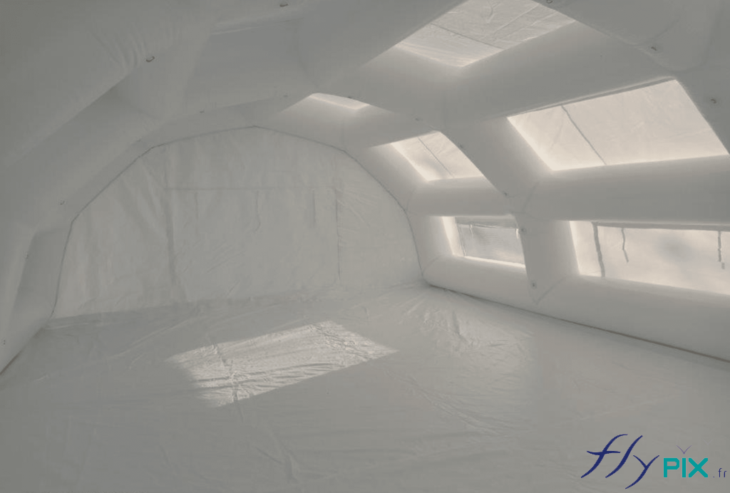 Vue intérieure de la tente PMA fabriquée pour le Protection Civile du Niger (Armée Française).
