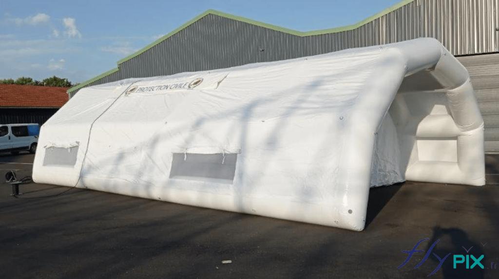 Une vue générale de la tente PMA gonflable fabriquée pour la Protection Civile du Niger (Armée Française).