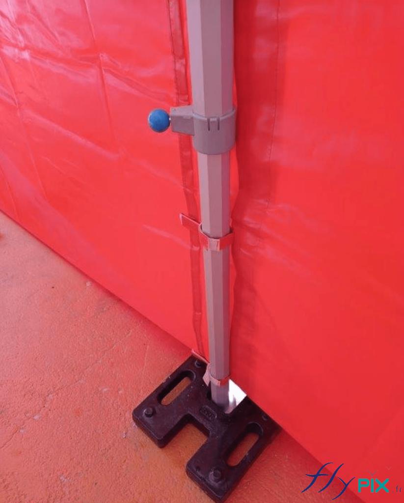 Pour la tente pliable 6 x 3 m médicale: pied et lestage.