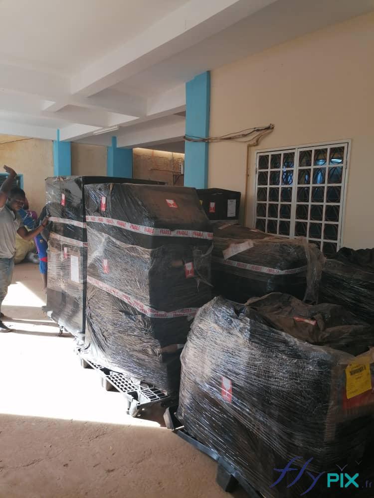 Livraison de tentes PMA au Niger, en Afrique.