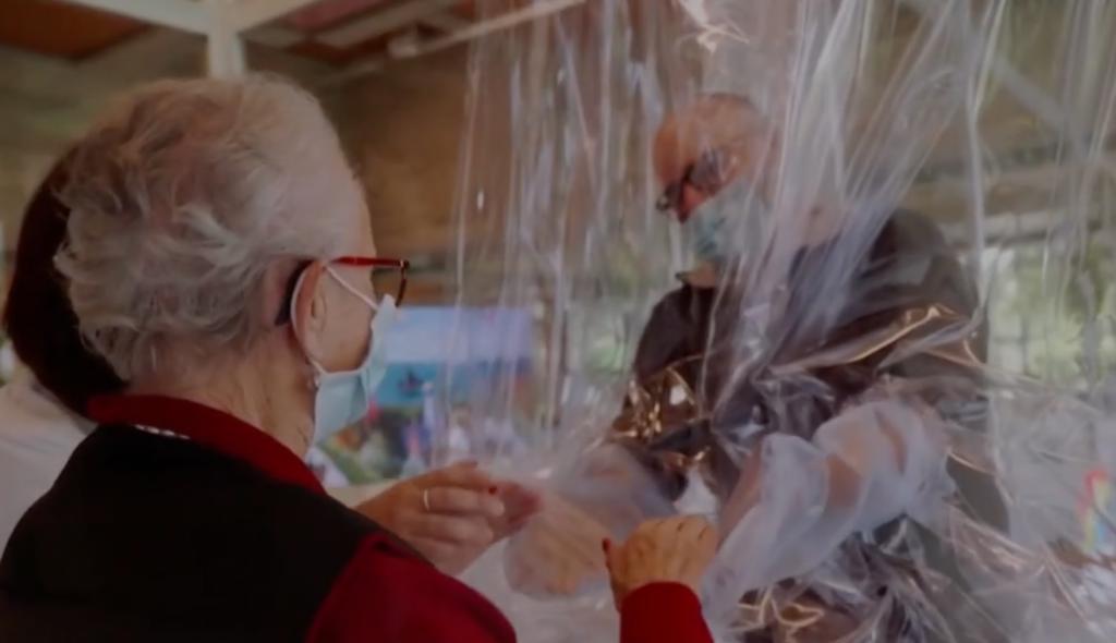 Tente gonflable câlins pour les maisons de retraites, Ehpad, cliniques et hôpitaux