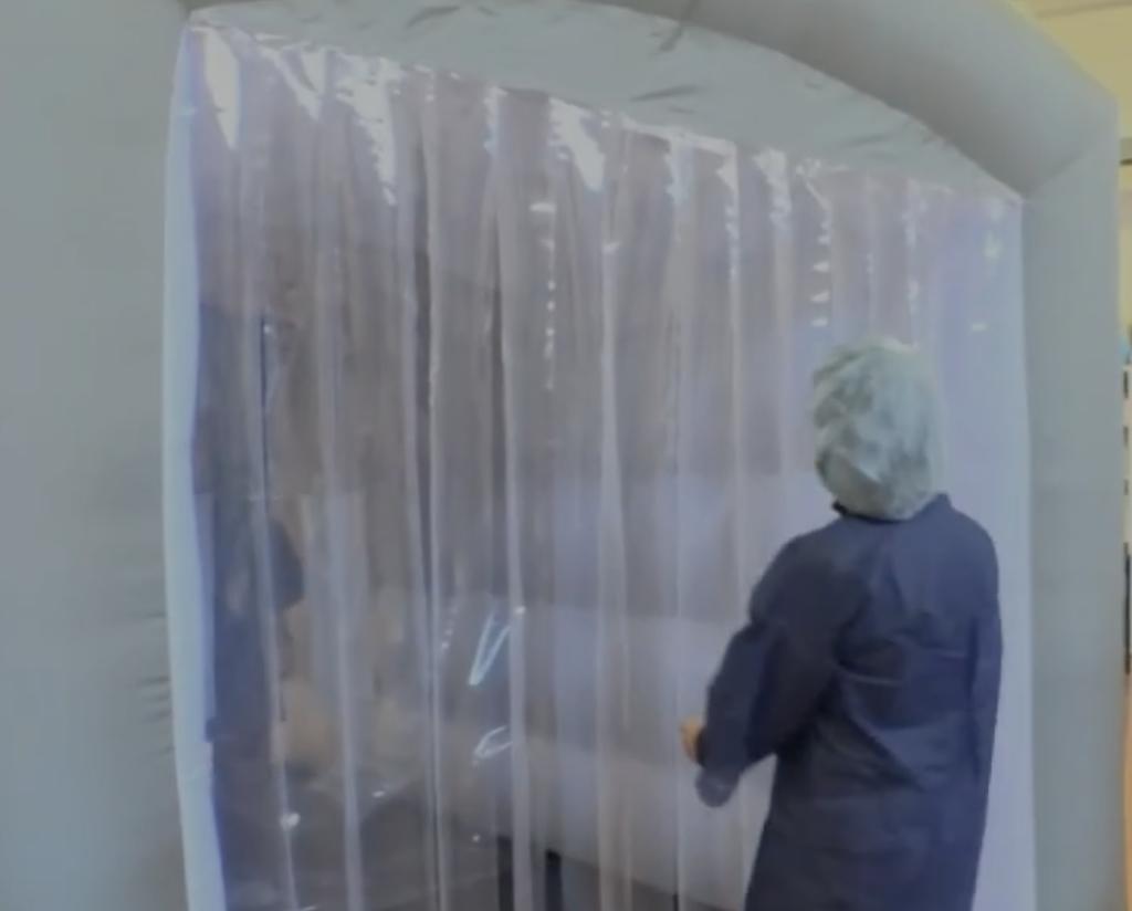 Tente gonflable câlins porte d'accès